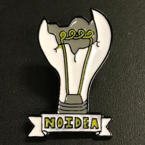 No Idea Broken Lightbulb Enamel Pin Brooch Tack